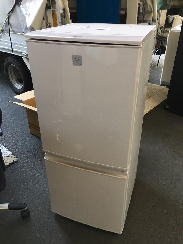 シャープ製の冷蔵庫(SJ-PD14A-C