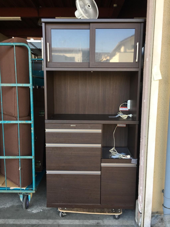 木製の食器棚など引き取り